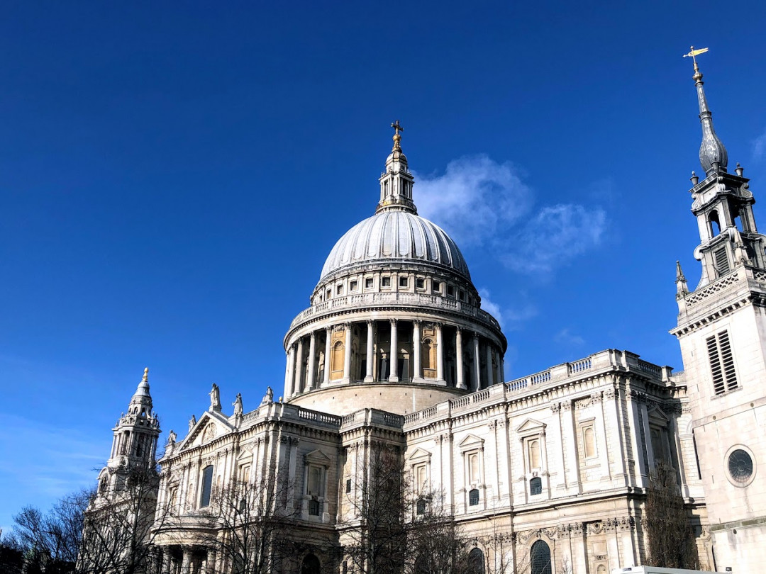 Westminster Abbey and St Paul's Cathedral